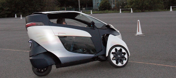 Toyota i-ROAD 3- Picture courtesy Bertel Schmitt