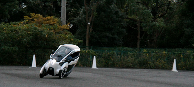 Toyota i-ROAD 4 - Picture courtesy Bertel Schmitt