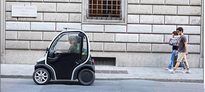 smallest-car-florence-italy Pictuere courtesy mimiandcarl.com