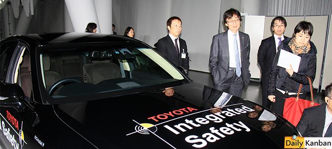 Safety Chief Moritaka Yoshida, center