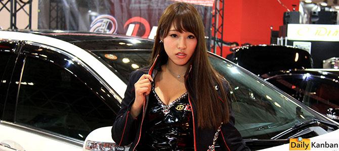 The girls of the 2015 Tokyo Autosalon -06- Picture by Bertel Schmitt